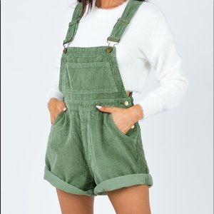 PRINCESS POLLY NEVER WORN GREEN OVERALLS